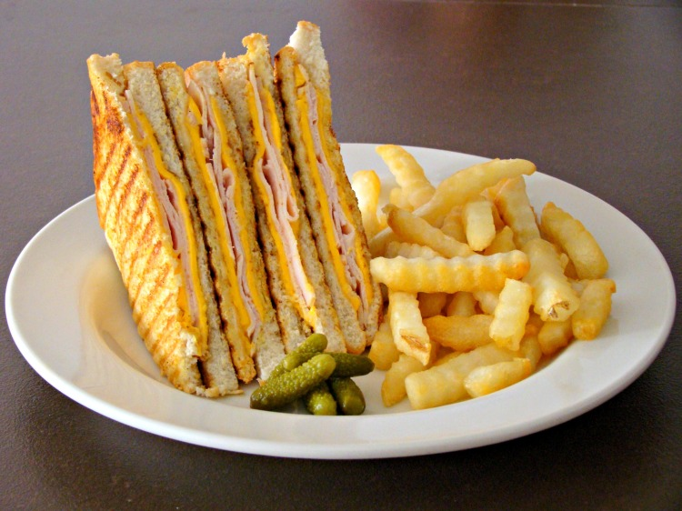Grilled ham & Cheese 1